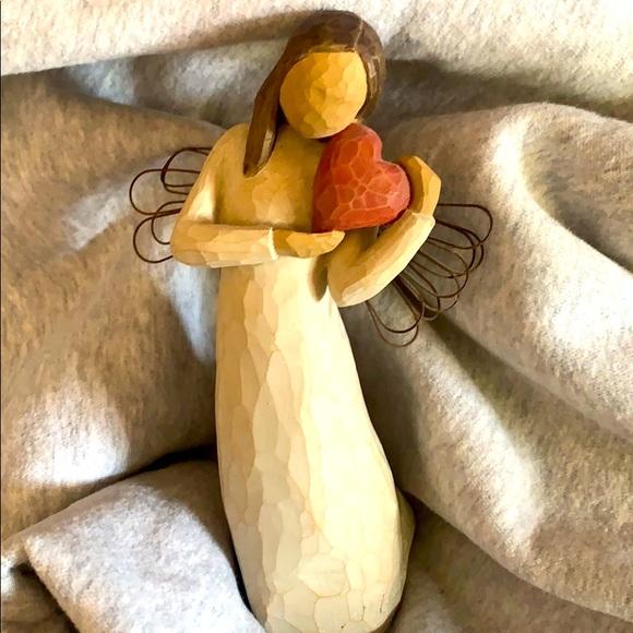 "Willow tree "" angel of the heart"" figurine"